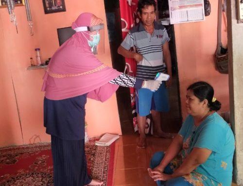 Tim Gugus Pencegahan covid 19 dalam pendataan dan Memeriksa Kesehatan Masyakarat di desa Karang Raja